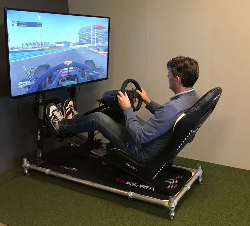 Racesimulator, Golfnetten, pokerstance, Putting Stick, planeSwing,putting greens, Afslagmatten, Flightscope x3, The NetReturn, Simulator kooi op maat, Standaard simulator kooi, e6 golfconnect, skytrack, flightscope, x3 simulator, putt simulator (exputt) sportscoach systems, trugolf, Dutch Golf Company, indoorgolf, golfsimulator, golfprofessional, Goirle, Eindhoven
